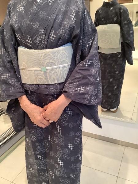 小千谷縮キモノに捨松さんの紗紬八寸帯のお支度です